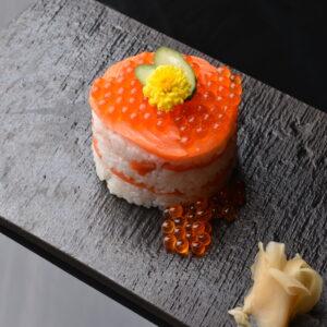 【名物】鮭の押し寿司